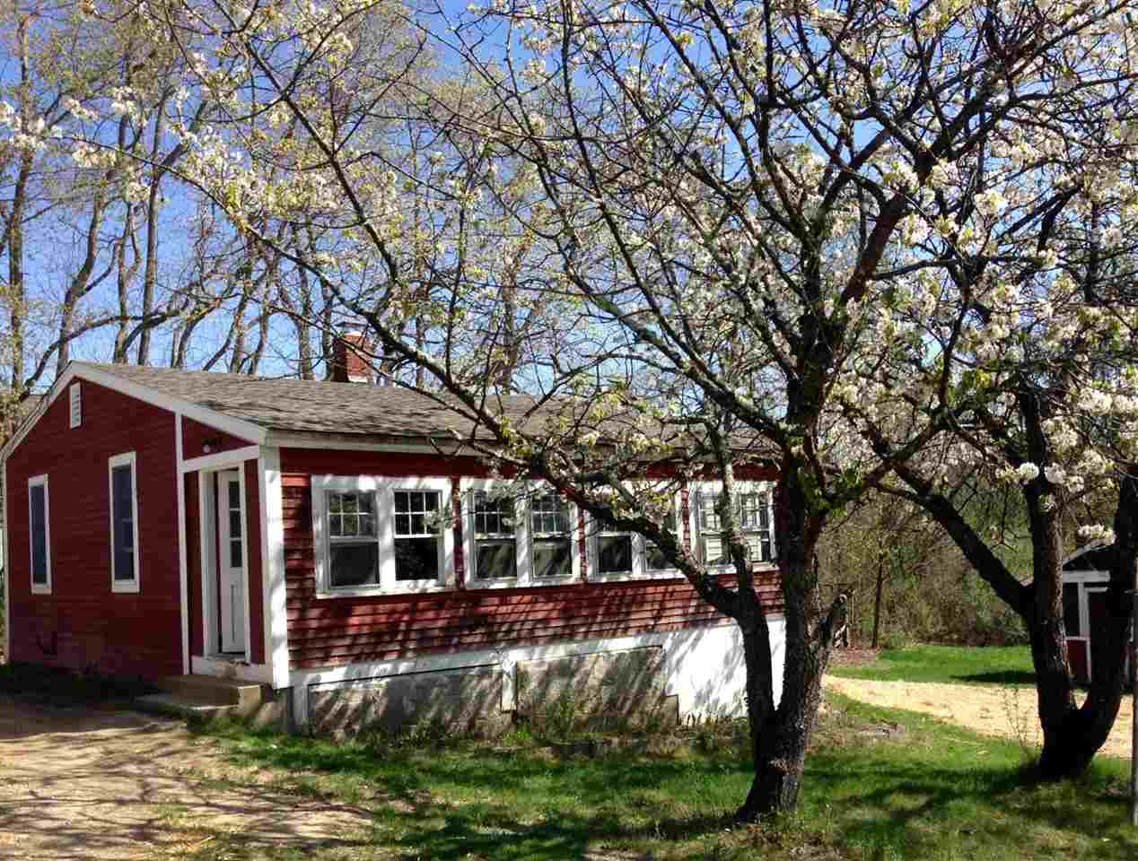 Mont Vernon NHHome for sale $List Price is $295,000