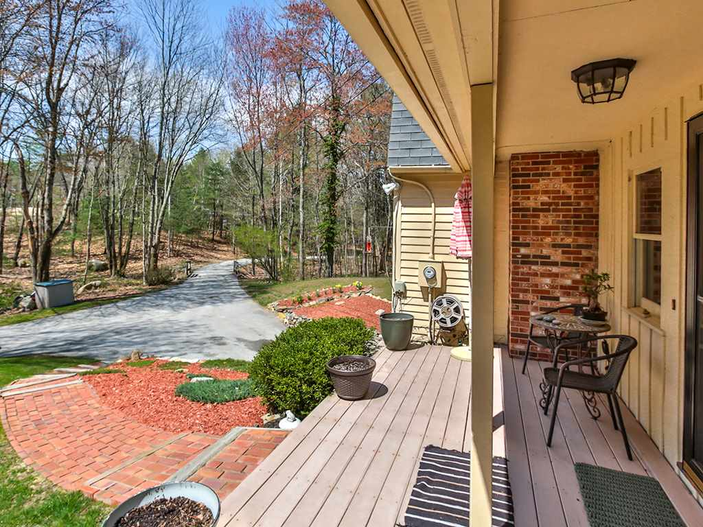 Hollis NH Home for sale $List Price is $339,000