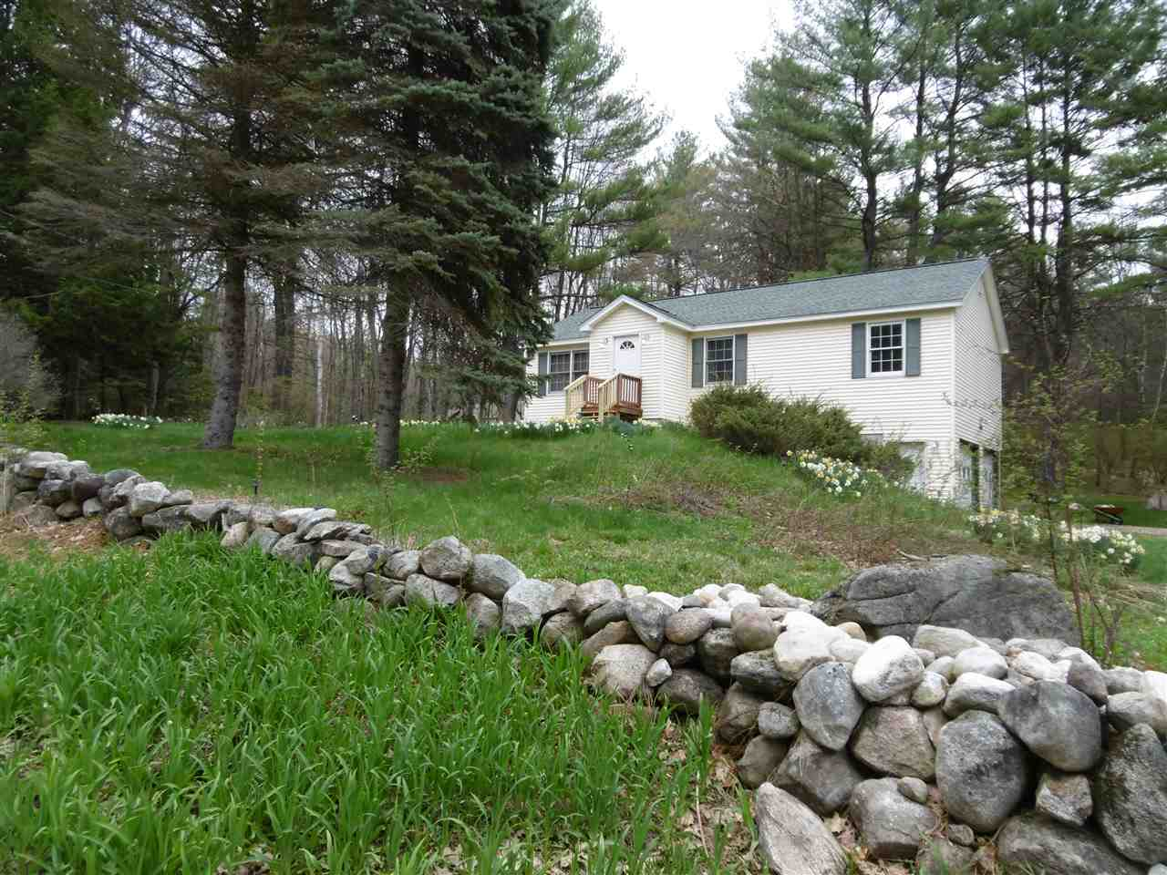 Candia NHHome for sale $List Price is $254,900