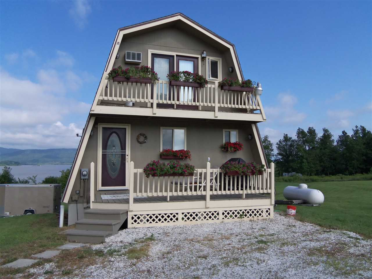 SHOREHAM VT Lake House for sale $$339,000 | $283 per sq.ft.