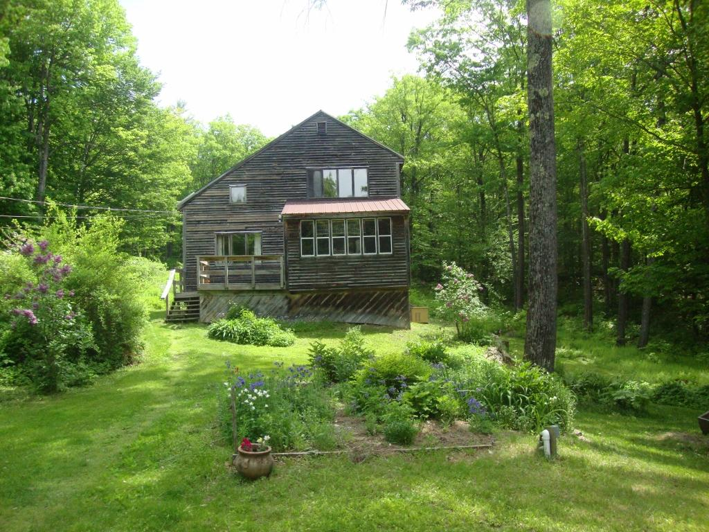 SUTTON NH Home for sale $$219,000 | $116 per sq.ft.