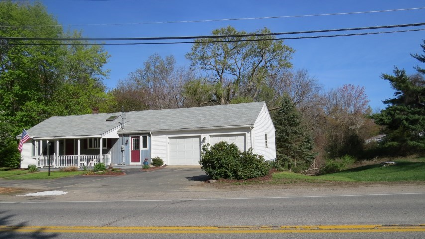 Plaistow NH Home for sale $List Price is $249,900
