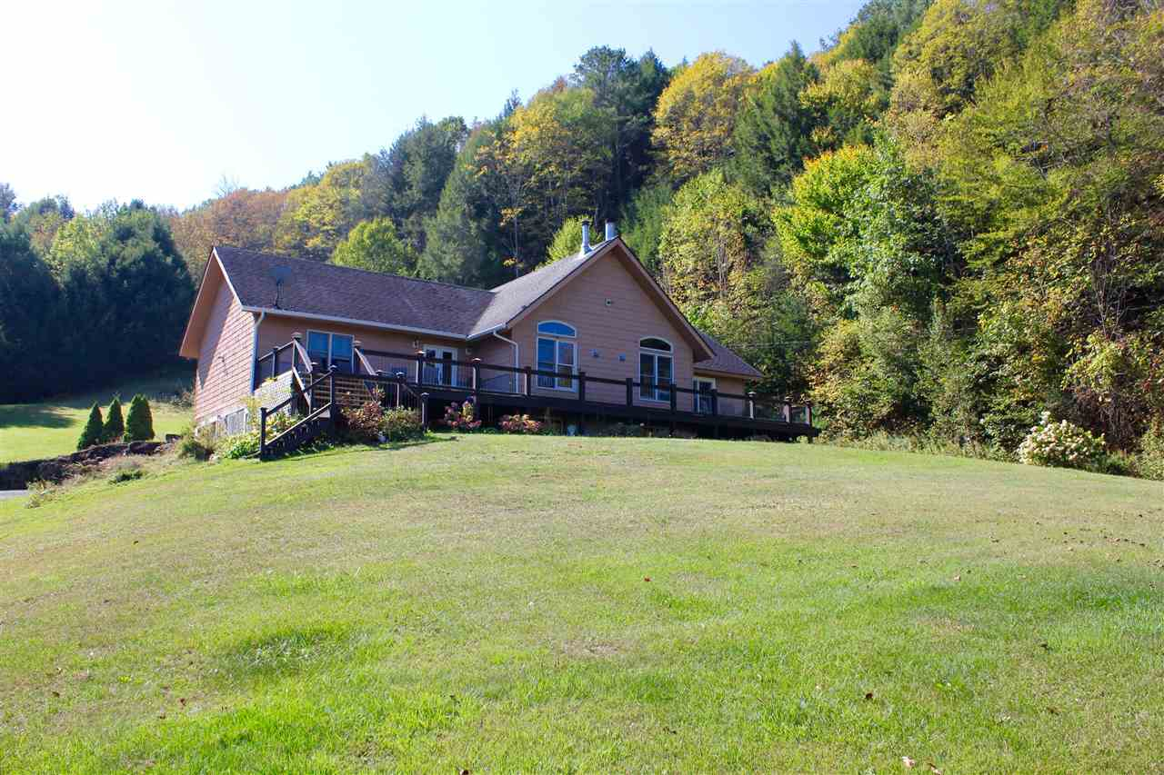 POMFRET VT Home for sale $$374,000 | $216 per sq.ft.