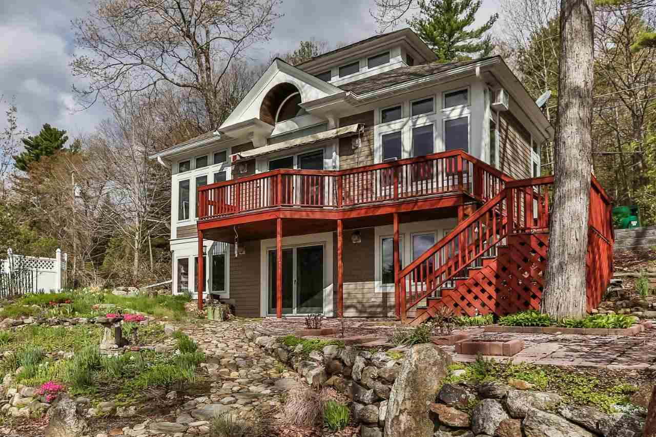BARRINGTON NH Home for sale $299,000