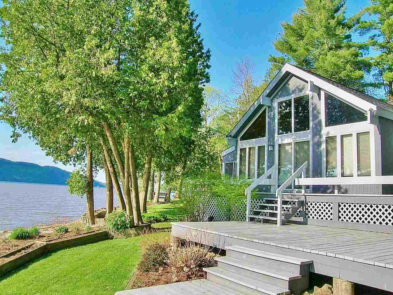 FERRISBURGH VT Lake House for sale $$1,099,899 | $392 per sq.ft.