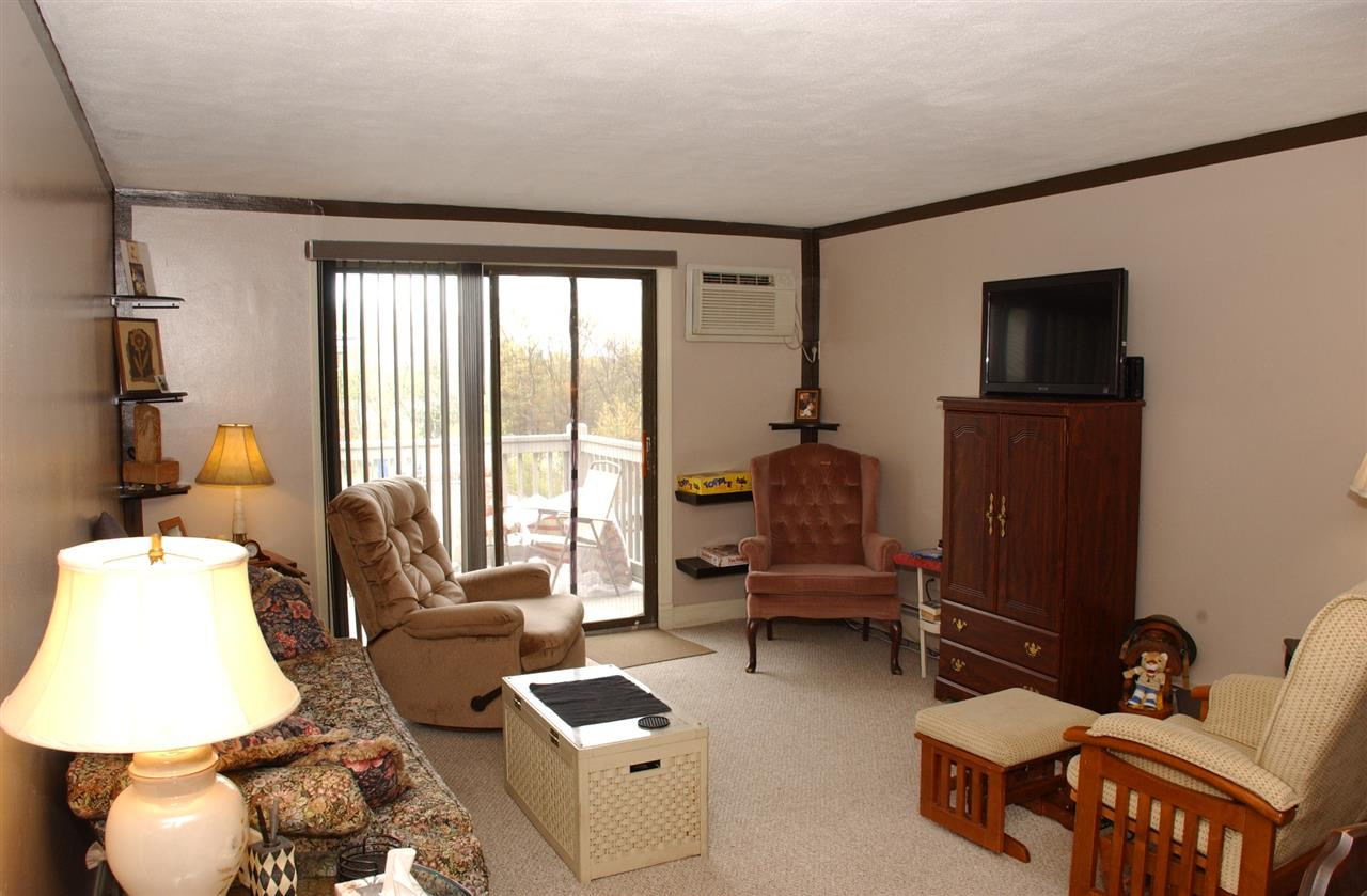 Manchester NH Condo for sale $List Price is $118,500