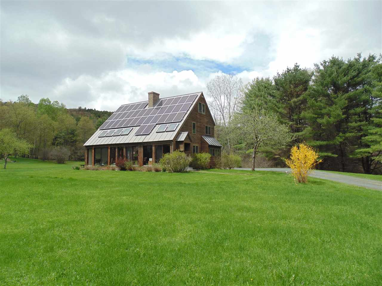 NORWICH VT Home for sale $$599,000 | $191 per sq.ft.