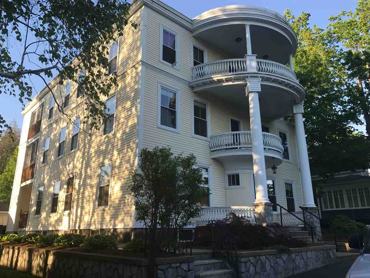 Manchester NH Condo for sale $List Price is $158,500