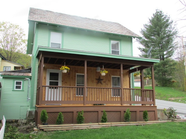 47 Branch Hill Road, Readsboro, VT 05350