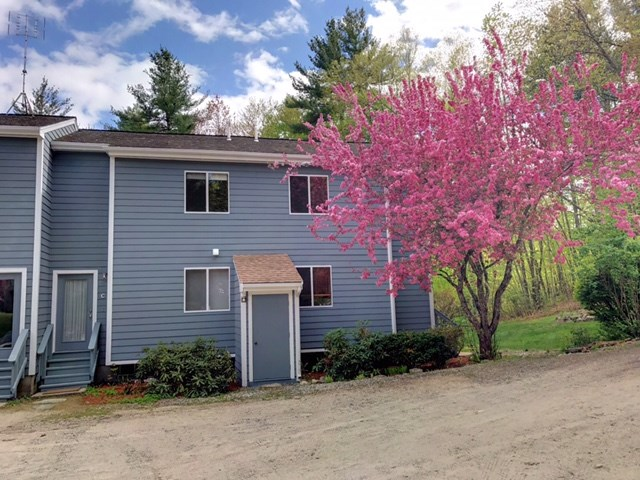 Hollis NH Condo for sale $List Price is $174,999