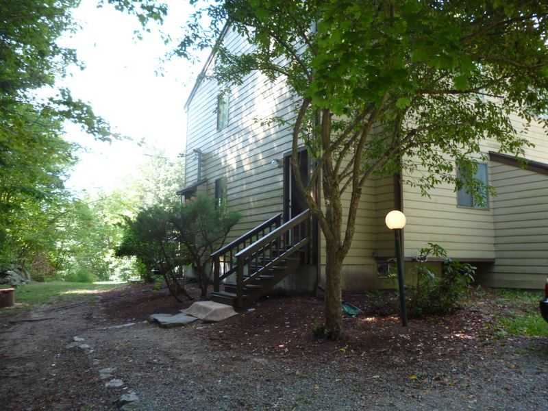 Hollis NH Condo for sale $List Price is $159,000