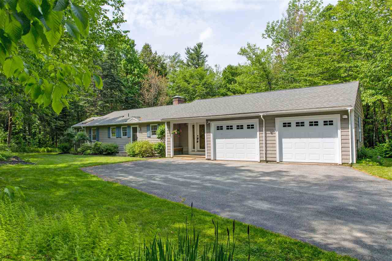 NEW LONDON NH Home for sale $$329,000 | $181 per sq.ft.