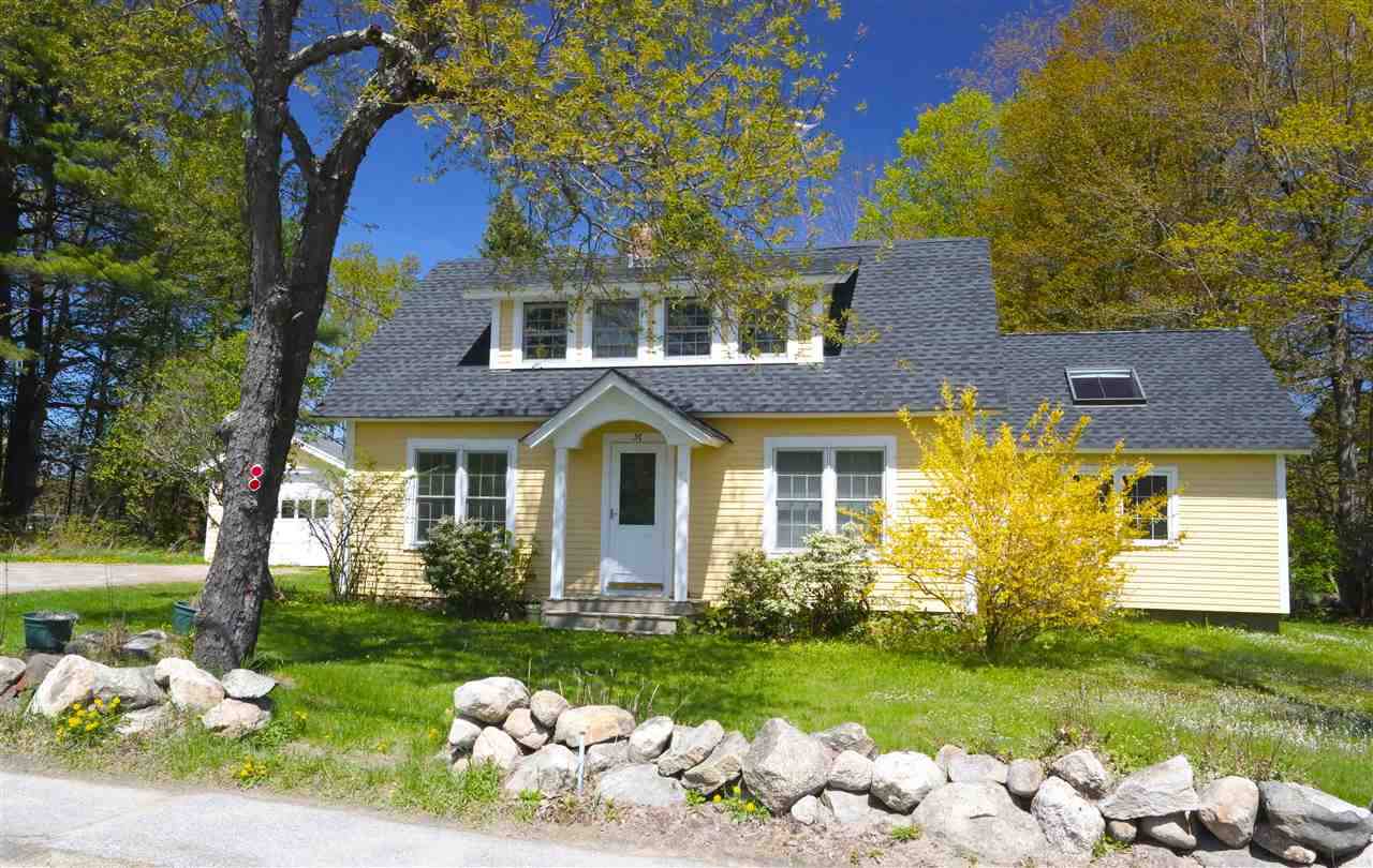 NEW LONDON NH Home for sale $$320,000 | $154 per sq.ft.
