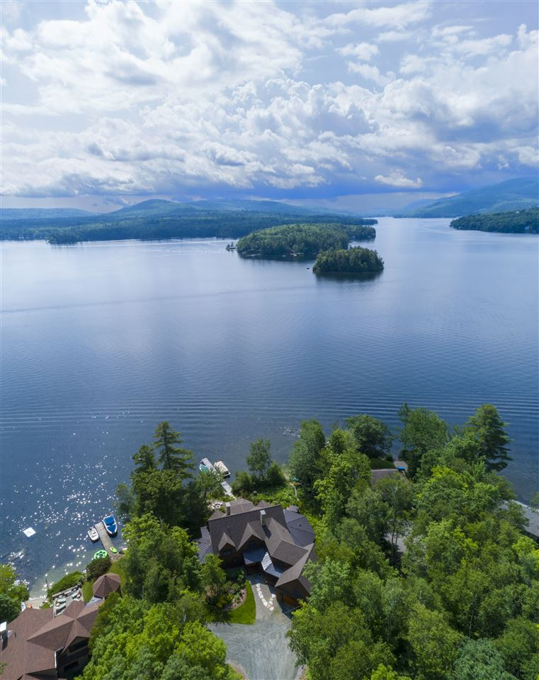 SUNAPEE NH Lake House for sale $$3,595,000 | $742 per sq.ft.