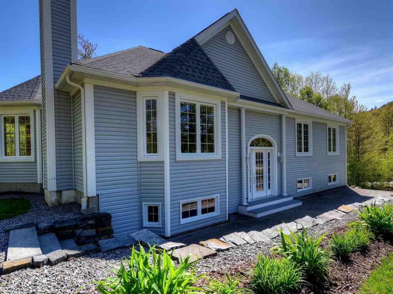 New Hampton NHHome for sale $$285,000 $182 per sq.ft.