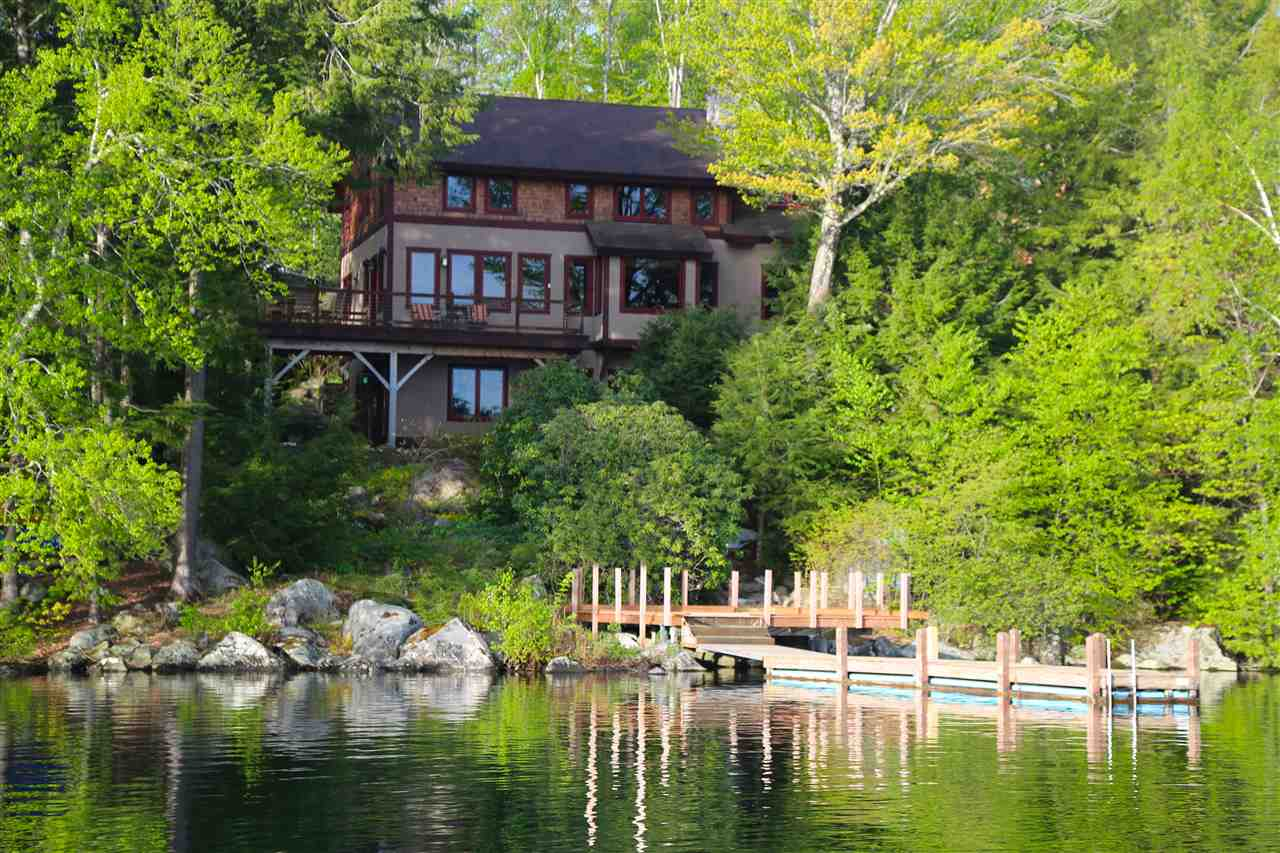 SUNAPEE NH Lake House for sale $$1,895,000 | $841 per sq.ft.