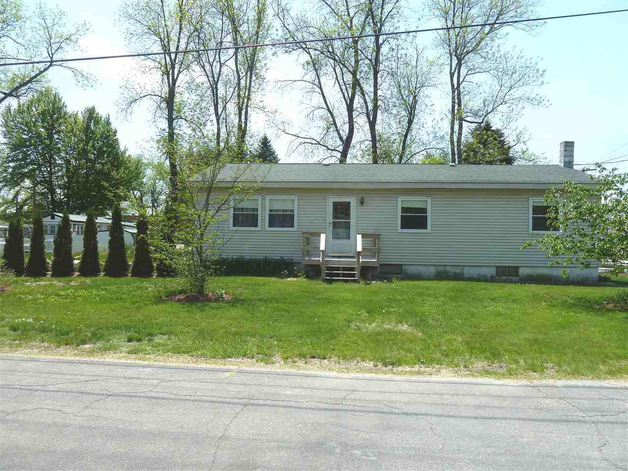 CONCORD NHSingle Family for rent $Single Family For Lease: $1,300 with Lease Term