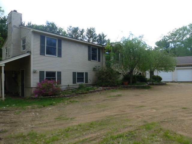 Chester NHHome for sale $List Price is $199,900
