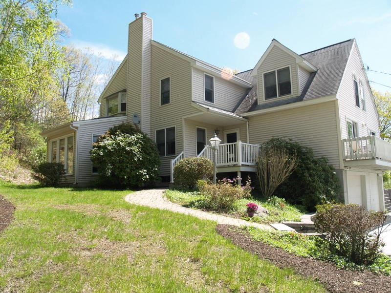 Goffstown NH Condo for sale $List Price is $209,500
