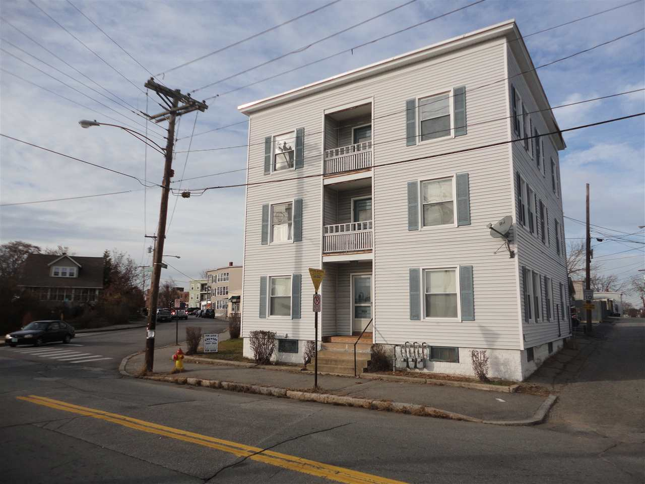 image of Manchester NH  3 Unit Multi Family | sq.ft. 5222
