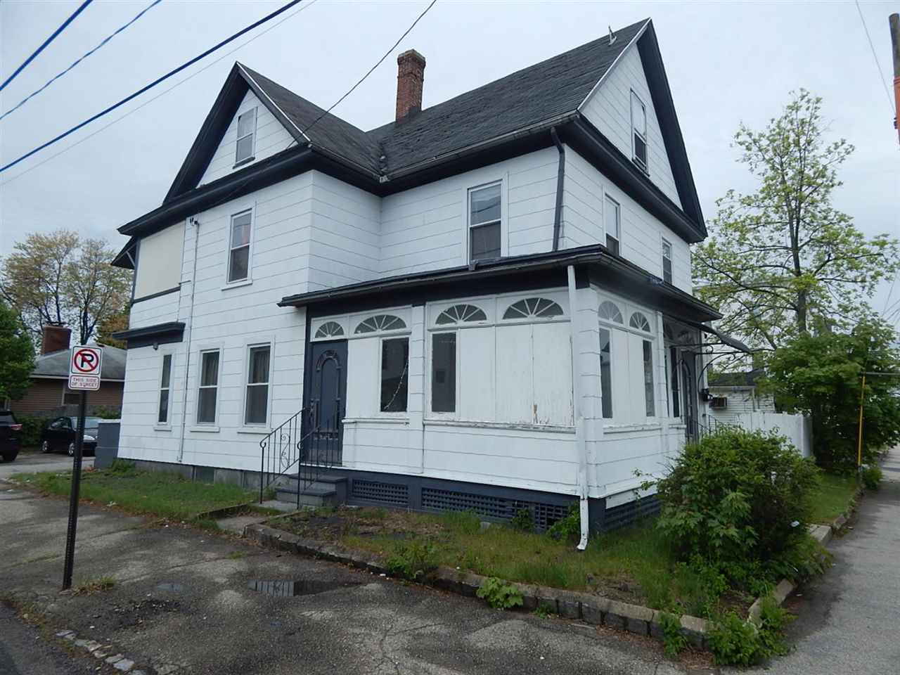 image of Manchester NH  3 Unit Multi Family | sq.ft. 6229