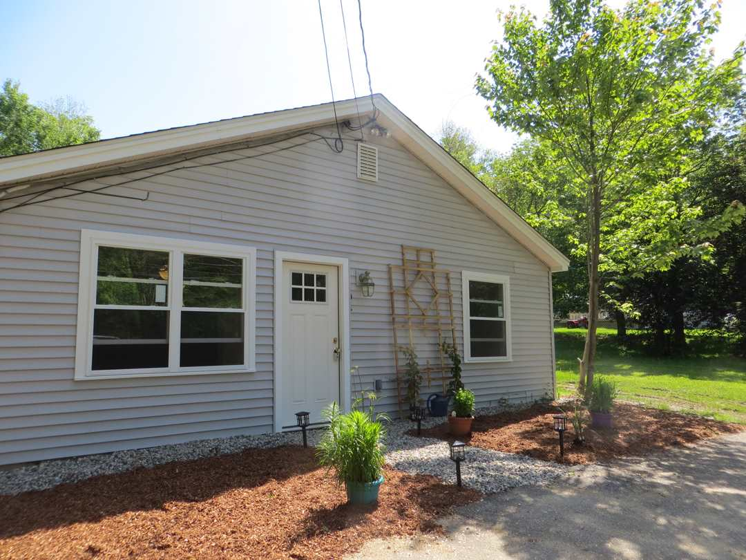 CENTER HARBOR NH Home for sale $219,900