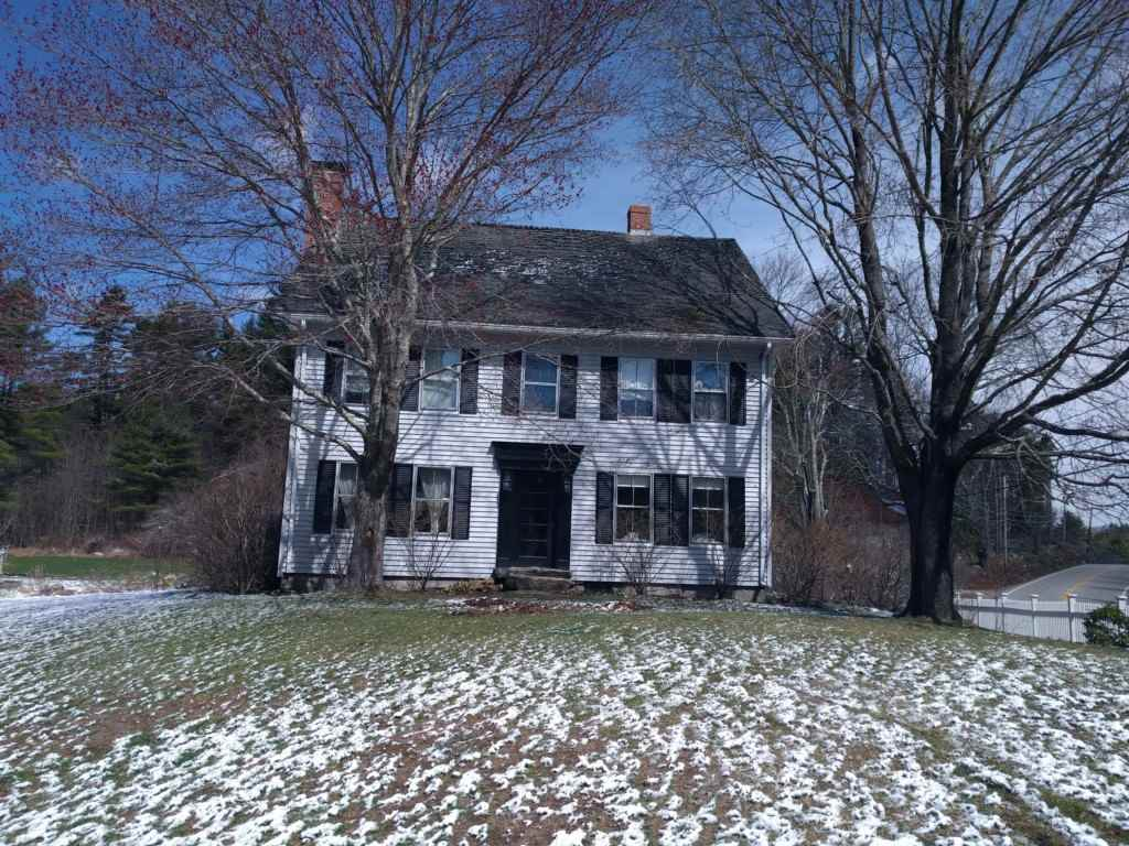 Deerfield NH Home for sale $List Price is $306,000