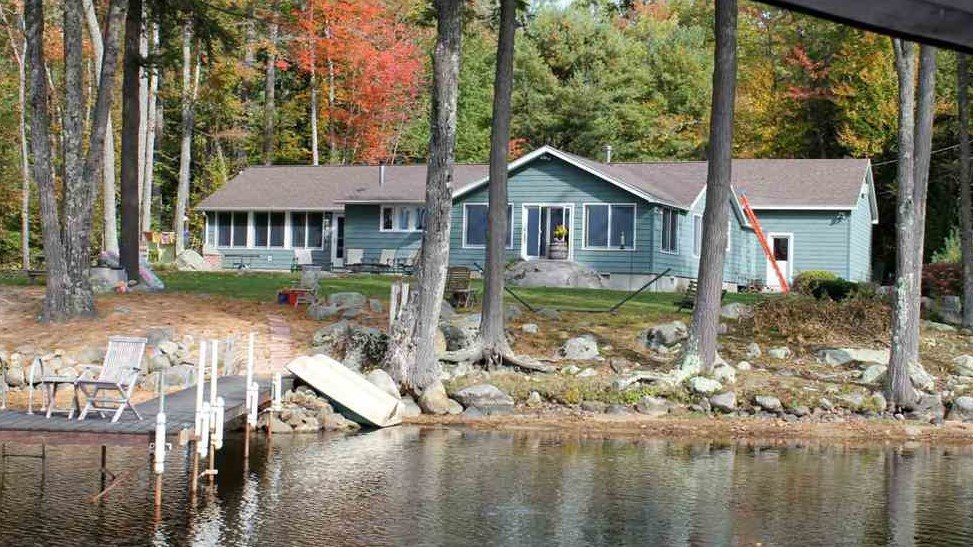 Moultonborough NH Home mls no. 4636519 with 105 ft. owned waterfront