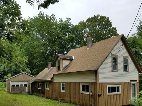 27 Maple Street, Winchester, NH 03470