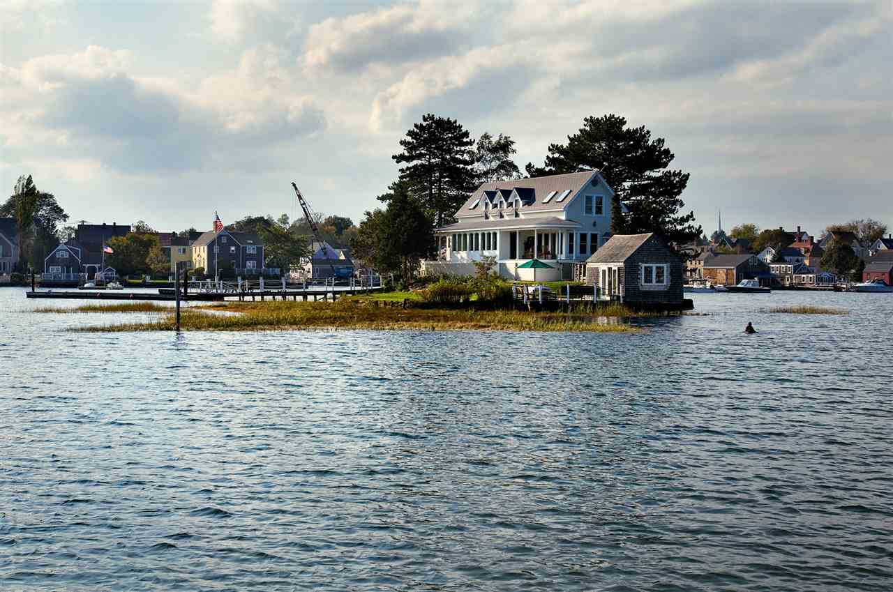 1 Round Island Island, Portsmouth, NH 03801