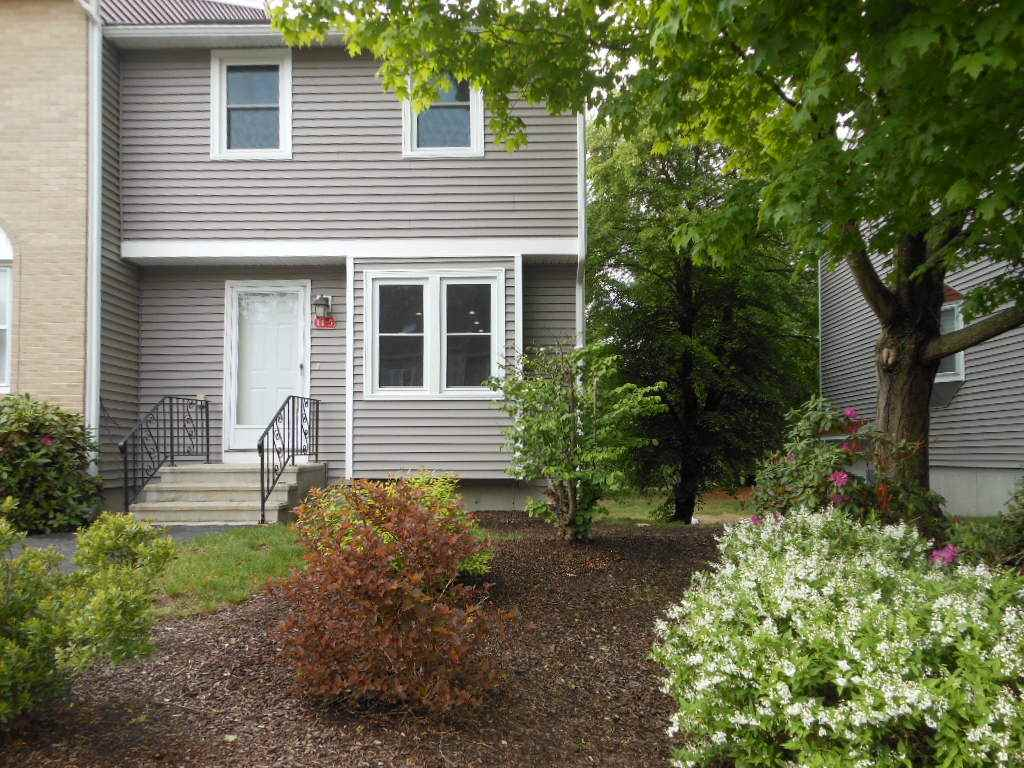 Goffstown NH Condo for sale $List Price is $155,000