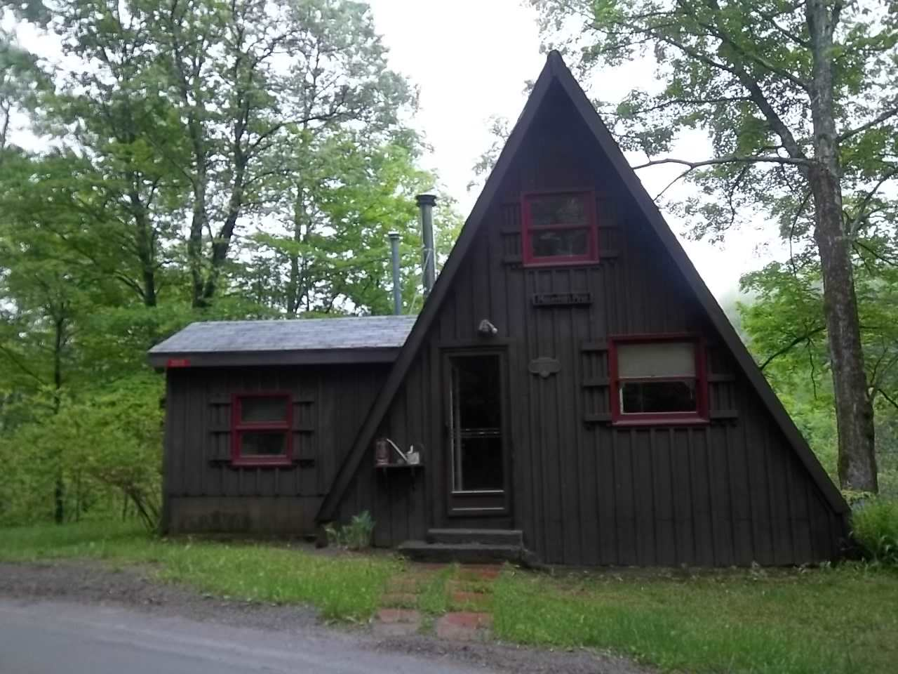 Sharon VT Home for sale $$89,900 $103 per sq.ft.