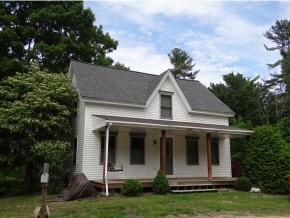 Sandown NH Home for sale $List Price is $214,900