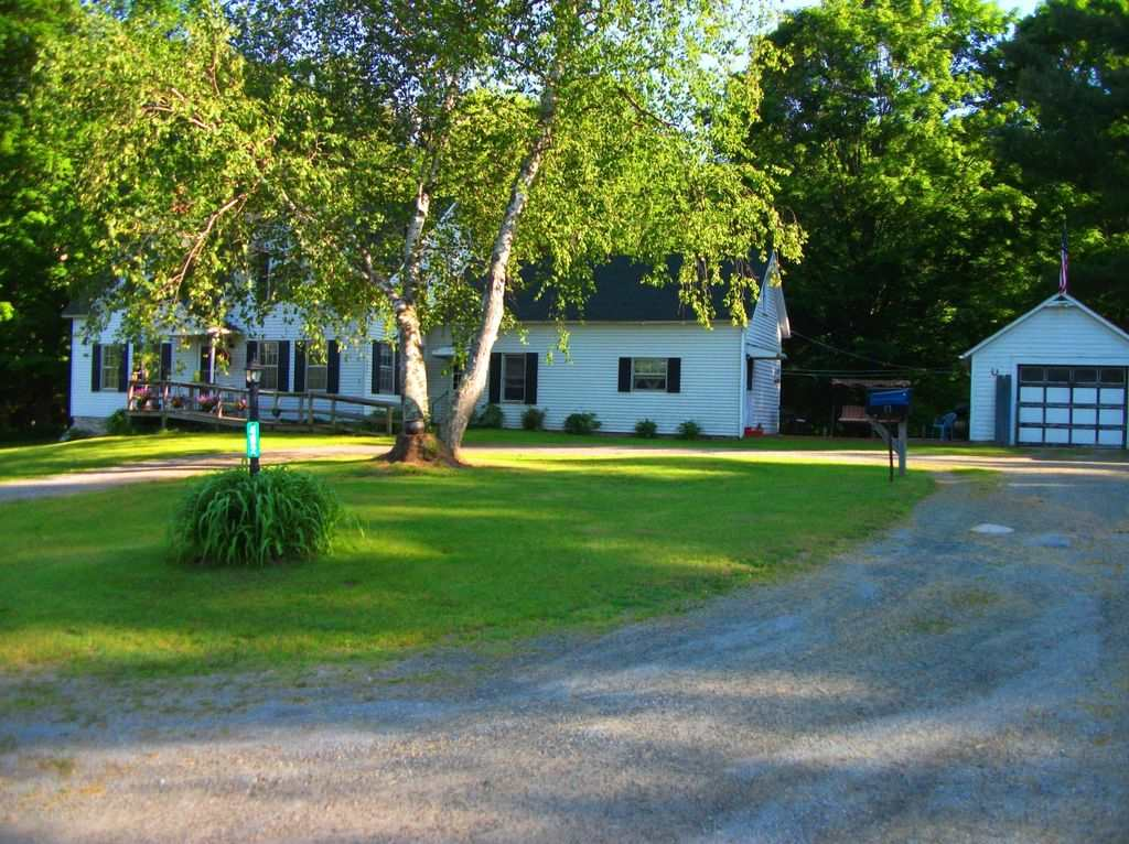 HUBBARDTON VT Lake House for sale $$269,000 | $98 per sq.ft.