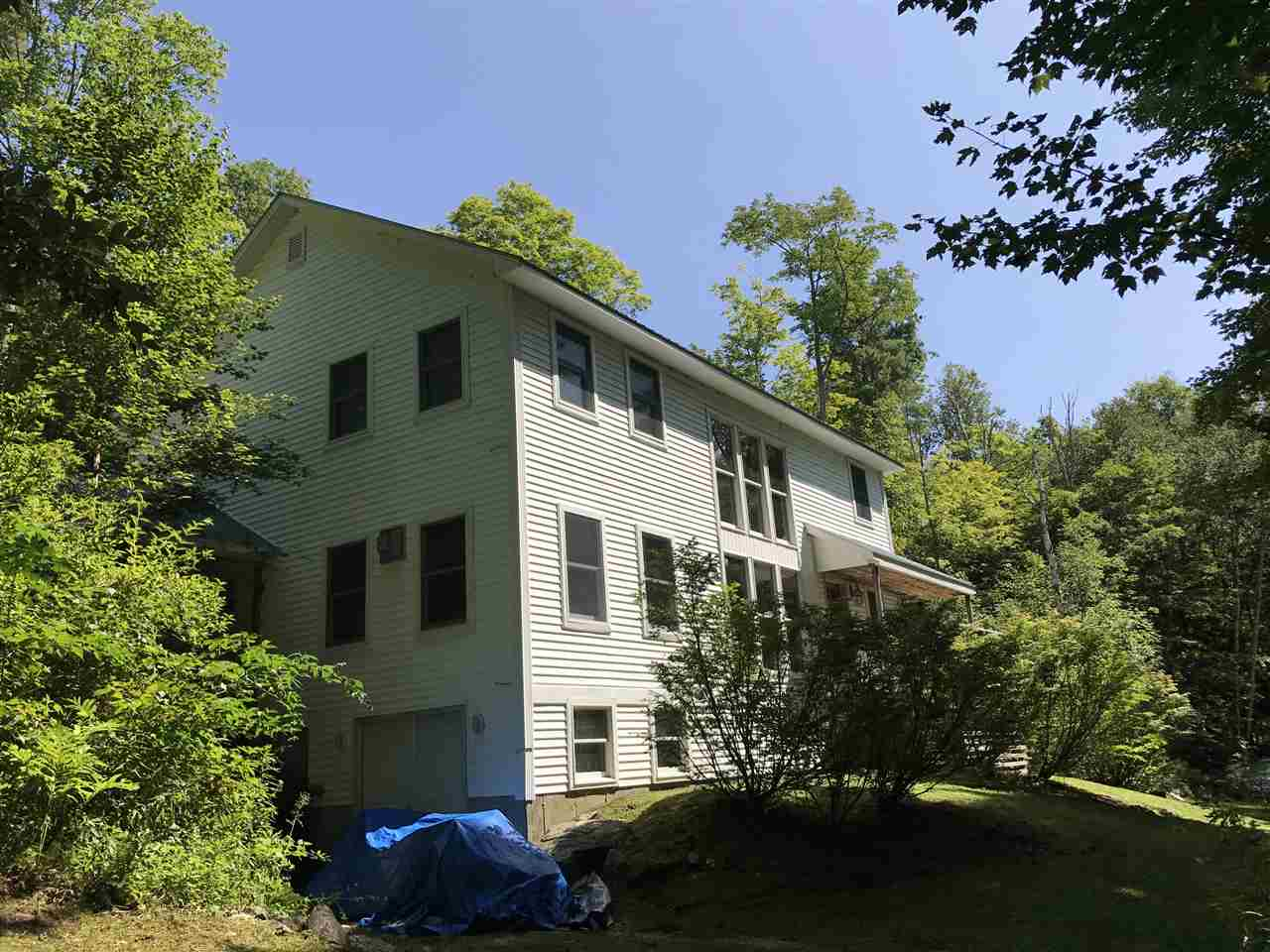 VILLAGE OF BELMONT IN TOWN OF MOUNT HOLLY VT Lake House for sale $$349,000 | $162 per sq.ft.
