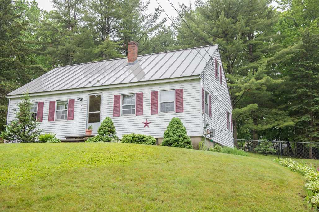 Plaistow NH Home for sale $List Price is $259,000
