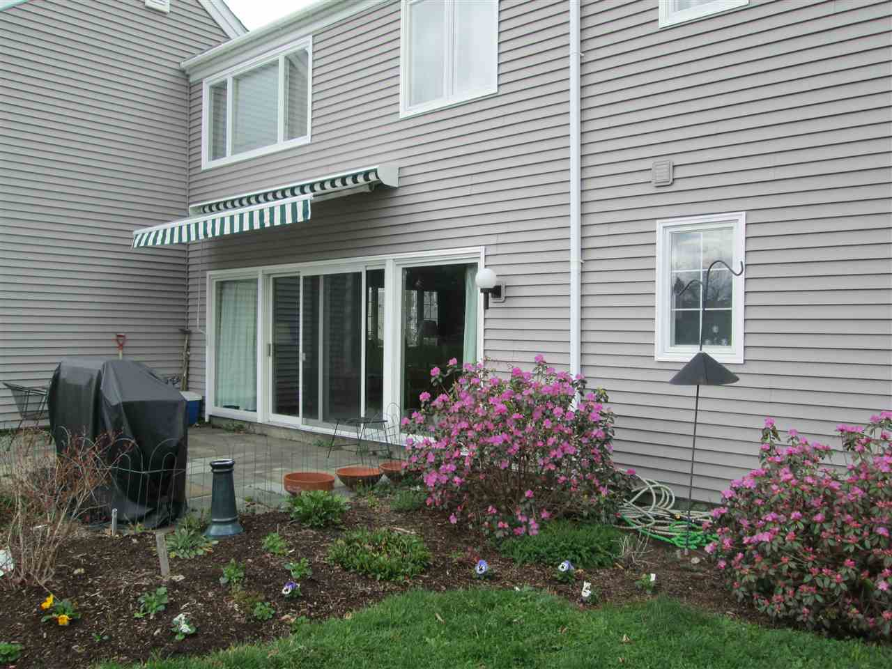48 Hilltop Place, New London, NH 03257