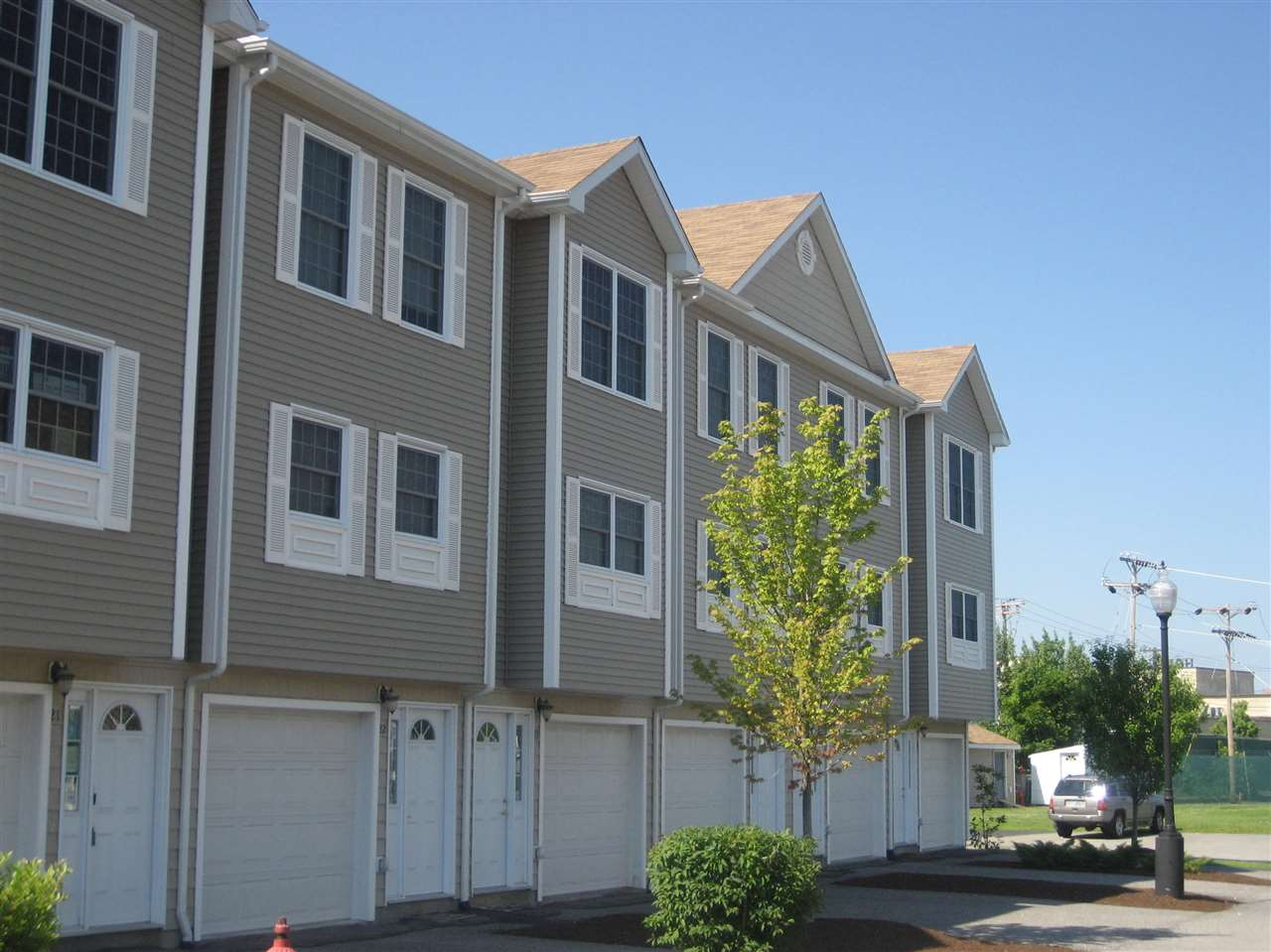 Manchester NH Condo for sale $List Price is $153,900