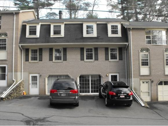 Nashua NH Condo for sale $List Price is $179,999