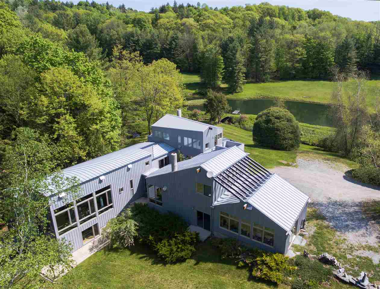HUBBARDTON VT Lake House for sale $$1,050,000 | $201 per sq.ft.