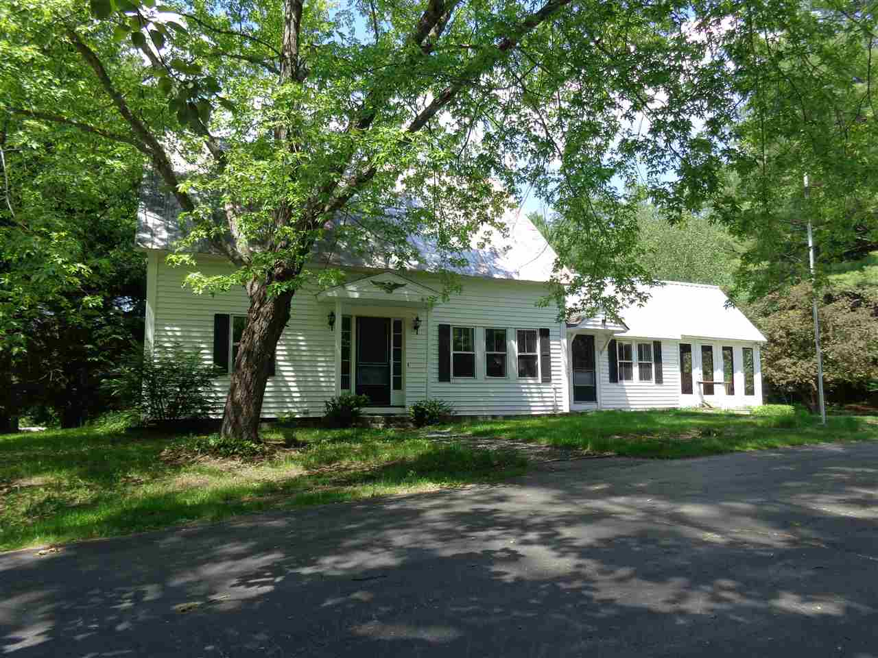 NEW HAMPTON NH  Home for sale $219,000