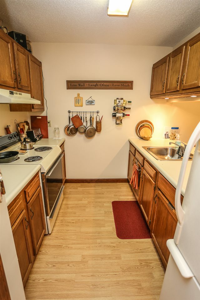 Goffstown NH Condo for sale $List Price is $103,000