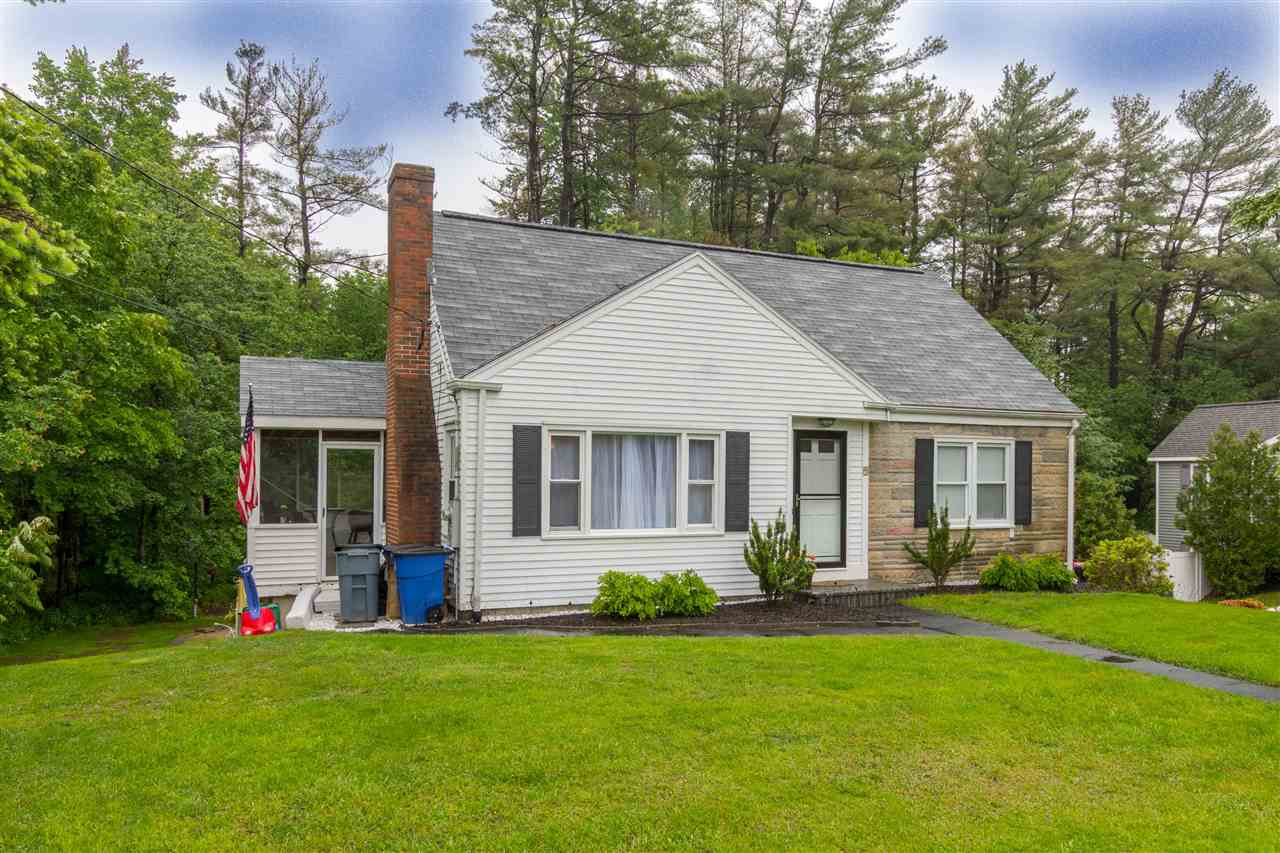 Plaistow NH Home for sale $List Price is $284,900