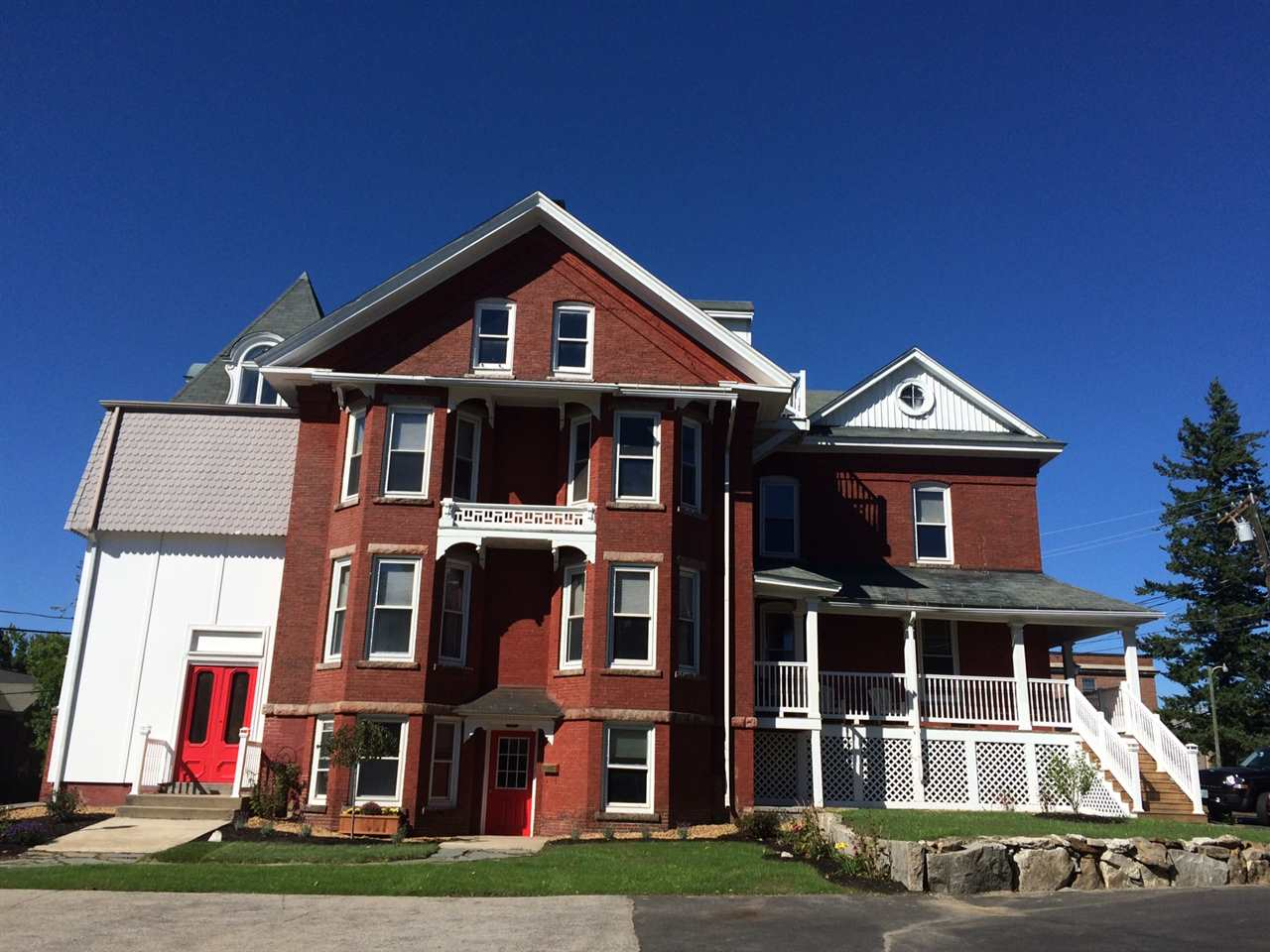 Manchester NH Condo for sale $List Price is $299,500