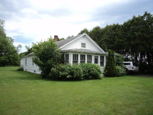 BRADFORD VT Home for sale $$117,000 | $105 per sq.ft.
