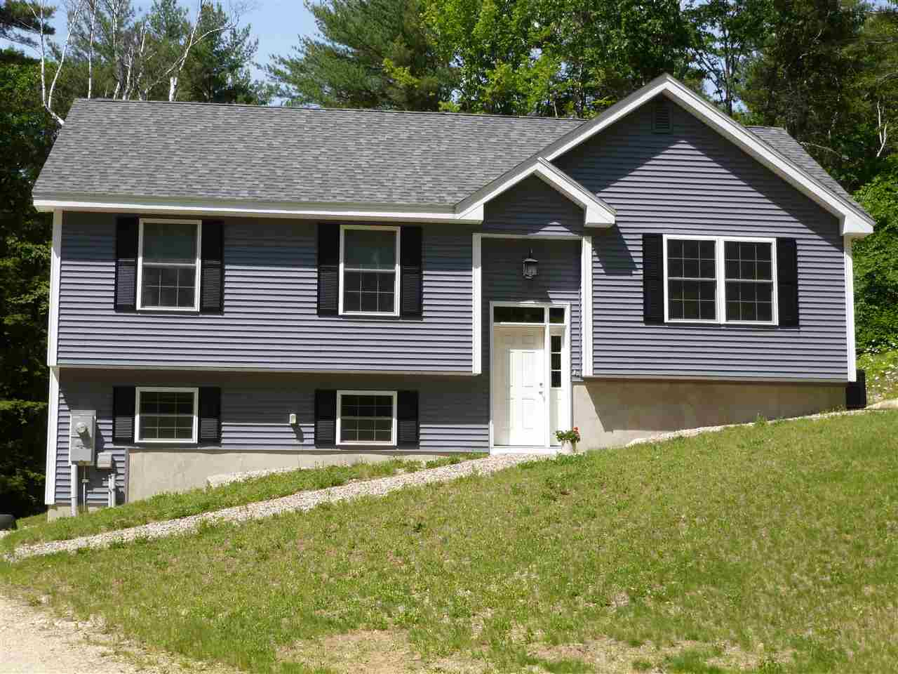 Deerfield NH Home for sale $List Price is $257,500