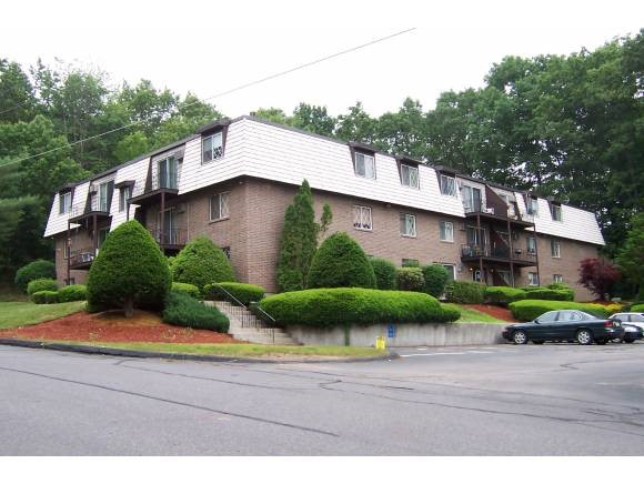 DERRY NHCondo for rent $Condo For Lease: $975 with Lease Term