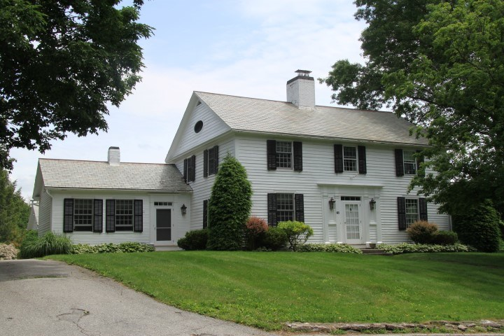 VILLAGE OF OLD BENNINGTON IN TOWN OF BENNINGTON VT Home for sale $$769,000 | $194 per sq.ft.