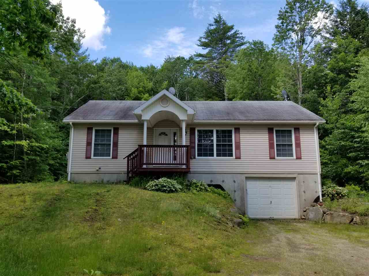 WEBSTER NH Home for sale $$200,000 | $148 per sq.ft.