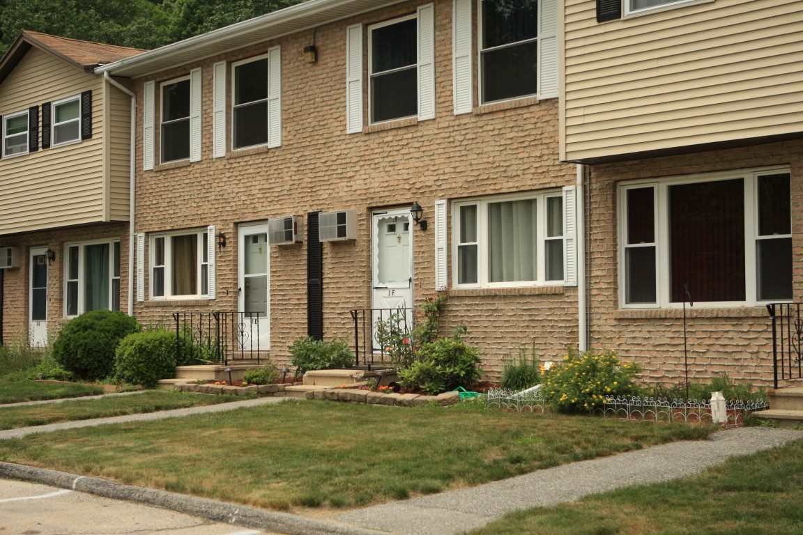 Hooksett NHCondo for sale $List Price is $142,000